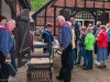Maibaumschmuecken 2018 bei der Ortsverwaltung Darme - Maigang un